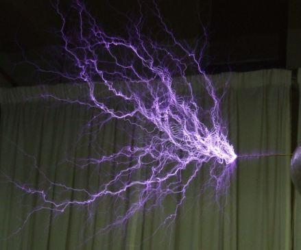 Tesla-coil-discharge